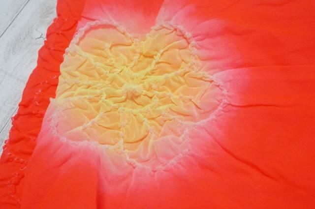 兵児帯のシボリ柄花